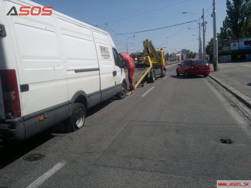 Dopravná nehoda v rannej špičke