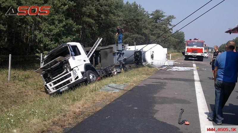 Nehoda cisterny D2 Malacky - Lozorno 35km
