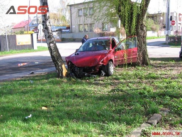 Nehoda vozidla Peugeot v Michalovciach