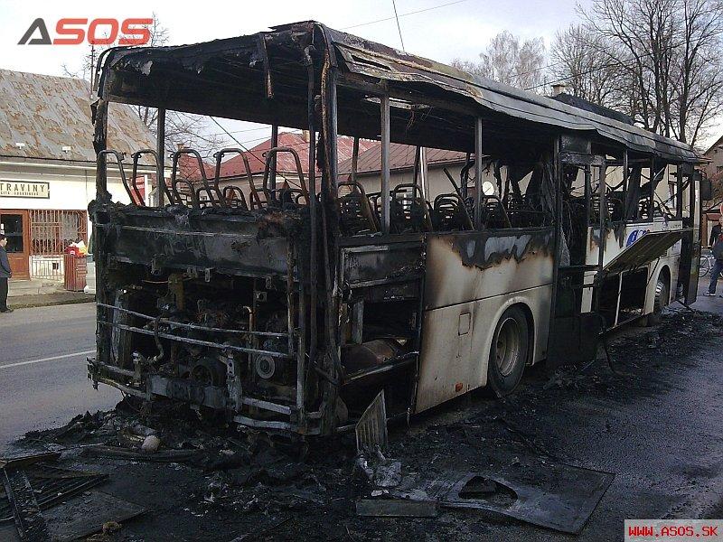 Požiar autobusu v Polomke